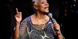 "e Dionne Warwick interpretando ""It's Beginning To Look A Lot Like Christmas"" da trilha sonora do filme O MILAGRE DA RUA 34."