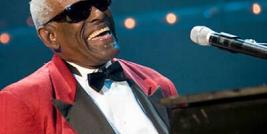 RAY CHARLES CANTA  'I GOT A WOMAN' .